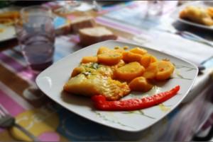 bacalao con patatas y pimiento a la cazuela