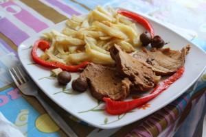 Rollo de carne en su salsa